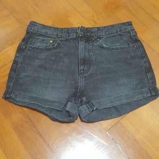 H&M 黑色短褲