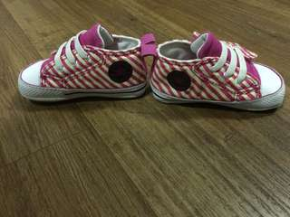 Converse shoe for infant