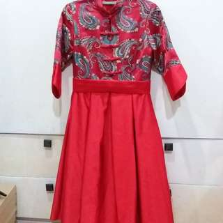 RED TRADITIONAL CHINESE DRESS