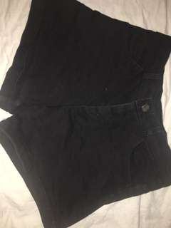 Black Shorts ((SIZE SMALL))