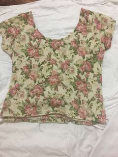 Floral Crop Top W/ Ribbed Back ((SIZE SMALL TO MEDIUM))