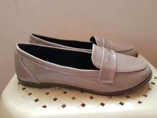 Primadonna Nude Loafer Flats