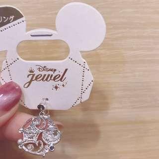 🚚 Disney store日本迪士尼商店耳夾式耳環