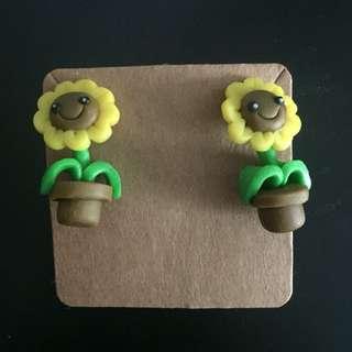 Cute sunflower pot earrings