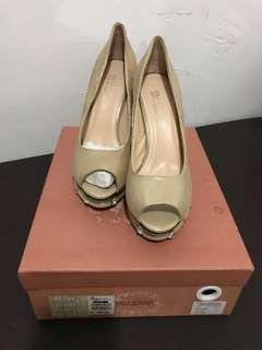 Sepatu Pesta Olga Strada