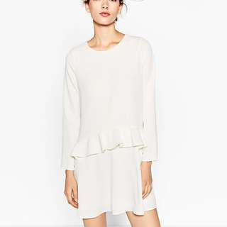 ZARA • NWT Ruffled dress (cream white)