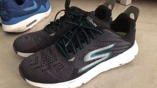 Skechers 波鞋
