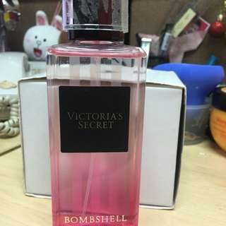 Victoria secret boombshell