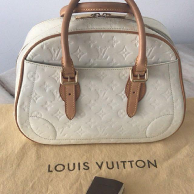 33e766bd3dc2 💯 Authentic lv vernis tote bag For Let Go!!