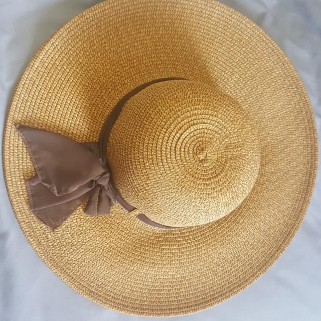 Big Floppy Beach Hat