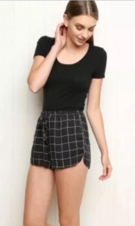 Brandy Melville Gris Shorts