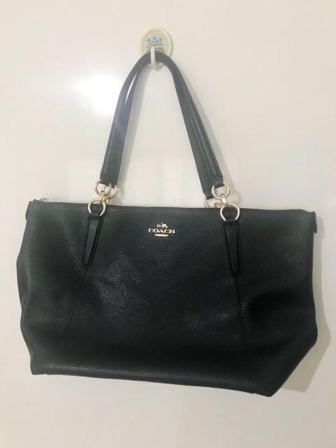 bb83b15684b9 Coach bag black (Negotiable)