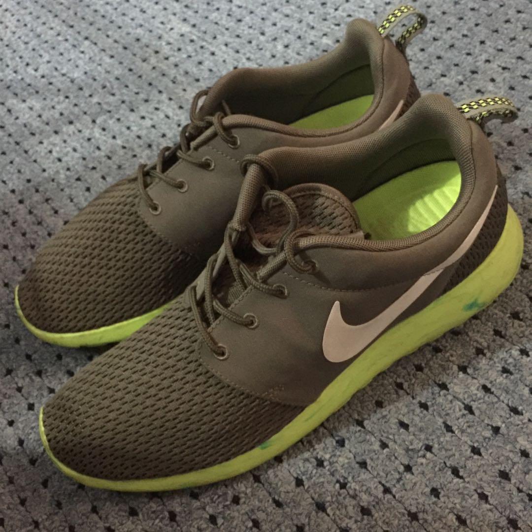 c6f2361e353c Nike Roshe Run Olive Green Volt