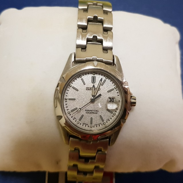 Seiko Perpetual Calendar.Seiko Perpetual Calendar Woman Watch Excellent Condition