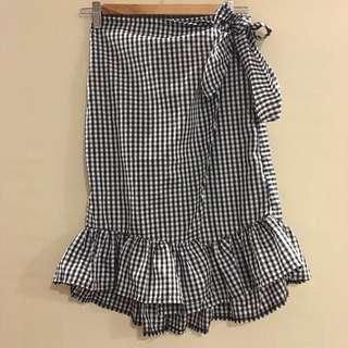 (BRAND NEW) Wrap black gingham skirt