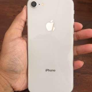 Iphone 8 LIKE NEW! Baru sebulan pakai
