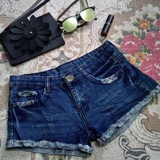 Mid/low waist shorts