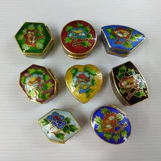Cloisonne Hand-painted Miniature Trinket box Ring Box With Assorted Designs Pill box