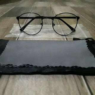 Eye Glasses / Reading Glasses
