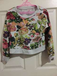 bench cropped floral sweater