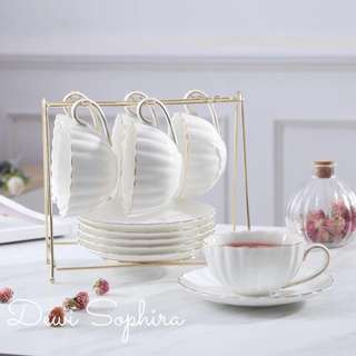 Teacup Set w Gold Stand