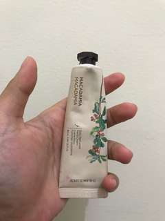 THE FACE SHOP DAILY PERFUMED HAND CREAM MACADAMIA 30ml