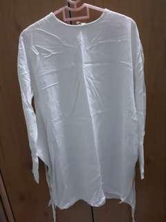 Hana Tajima x Uniqlo White Tunic