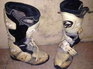 Sepatu motocross SND race pro