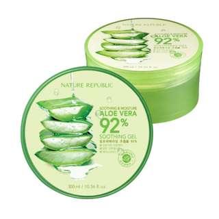 Nature RepublicAloe Vera 92% Soothing Gel (300ml Tub)