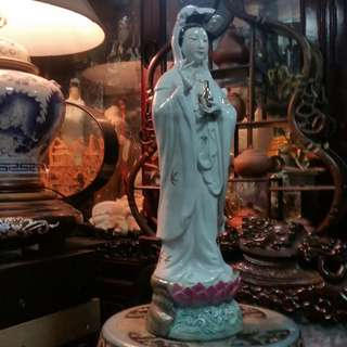 Vintage China Gindezhen Porcelain Standing Godness of Mercy ( Guan Yin )