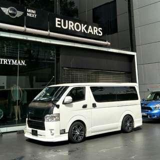Toyota Hiace Standard Roof 3.0 Manual DX Glass Door Van