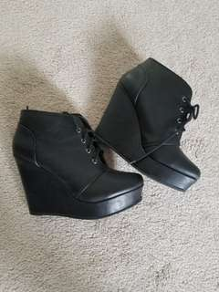 Black KS2 wedges