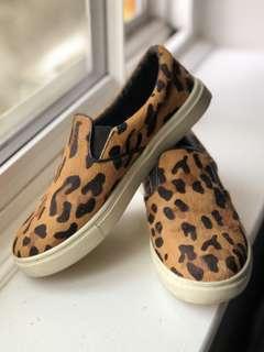 Steve Madden leopard slip ons - Size 6