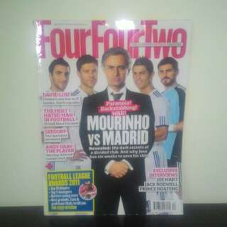FOOTBALL Magazine FourFourTwo (UK) - APRIL2011