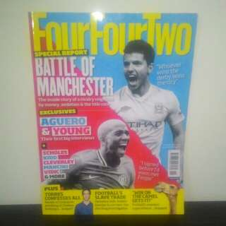 FOOTBALL Magazine FourFourTwo (UK) - NOV 2011