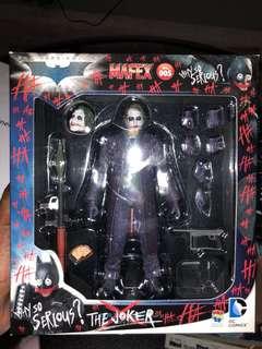 "Mafex ""Joker"" Heath Ledger Figurine"