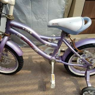 Lovely purple bicycle for 3 to 5 years old