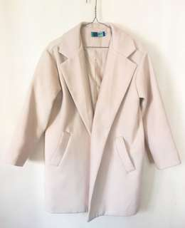 99%new Coat