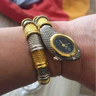 Unique Fashion Snake Shaped Bracelet Watch for women