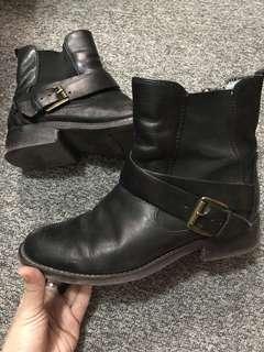 Clark Authentic Leather Boots Black