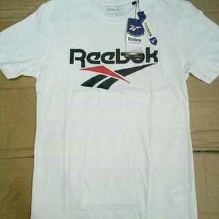 Reebok T Shirt 100% cotton  makpal ang tela Size:small to XL