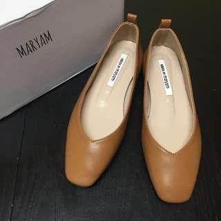 Bello 裸色方頭平底鞋