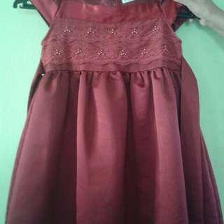 Red lace kids dress