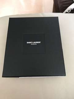 Saint Laurent 黑色盒