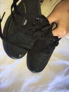 Black/Black Vans