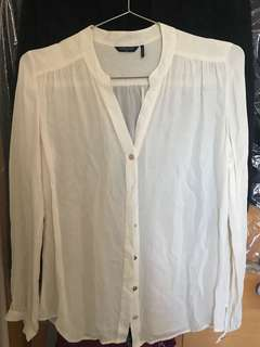 Marciano white top, size XS fit to S