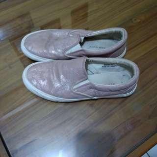 Sepatu New Look 39