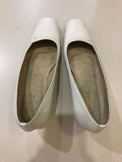 White heels shoes leather Carmelettes