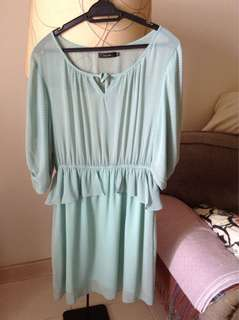 Nichii perplum green dress size XL