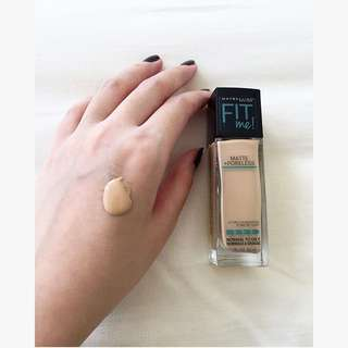 Maybelline fit me matte & poreless foundation (Warm Nude 128)